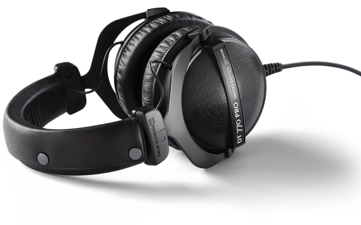 beyerdynamic dt 770 pro 250 ohm closed back studio mixing headphones proaudiokenya. Black Bedroom Furniture Sets. Home Design Ideas